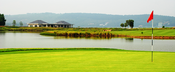 Dai Lai Star Golf & Country Club (18 Holes)