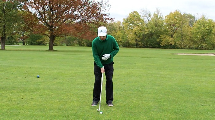 Narrow-Stance-Golf-Swing