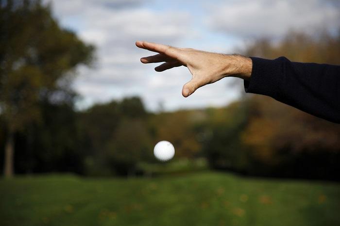 fall-golf-drop-ball