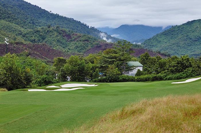Ba-Na-Hills-Golf-Course-Hole-21348x899