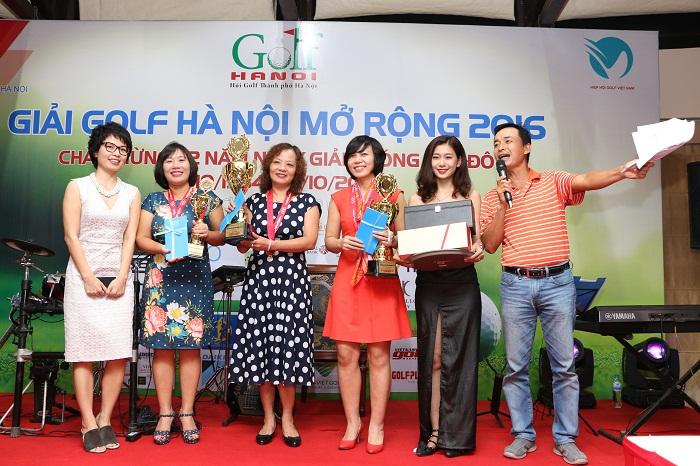 Các golfer chiến thắng tại bảng Ladies gồm Cao Thị Phương Mai(Nhì), Bùi Thị Phương Loan(Nhất) và Nguyễn Thị Bình(Vô địch).
