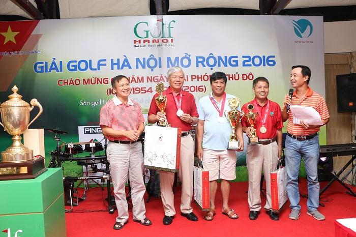 Các golfer đoạt giải trong bải Senior gồm Nguyễn Ngọc Chu (Nhì), Đồng Văn Tiếp (Nhất) và Nguyễn Dũng Cần (Vô địch).