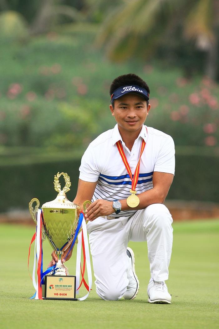 Golfer Lê Hữu Giang
