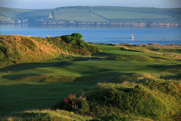 ROCK, CORNWALL - MAY 24: The approach to the green on the par 4, 1st hole at the St Enodoc Golf Club, on May 24, in Rock, England. (Photo by David Cannon/Getty Images)