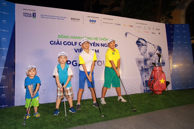 4 cậu con trai của golfer Nguyễn Quang Hạnh