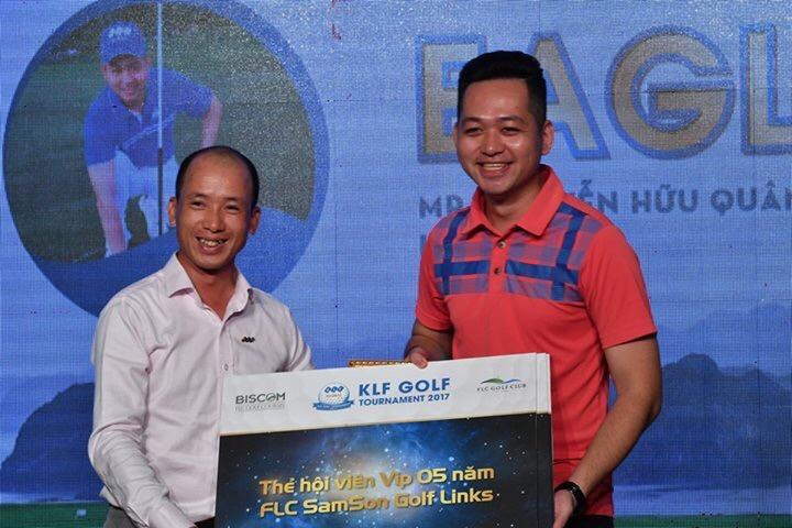 Golfer Nguyễn Hữu Quân