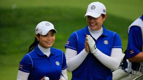 Moriya (trái) và em gái Ariya