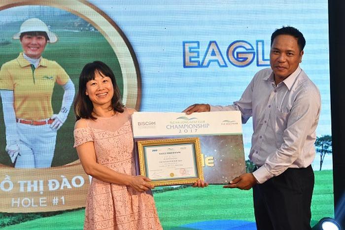 Golfer Hồ Thị Đào Mai