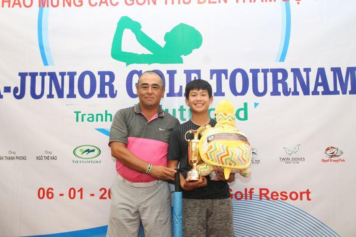 Đặng Quang Anh có vòng golf 75 gậy