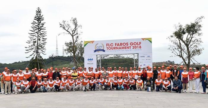 Giải thu hút gần 1400 golfer tham dự