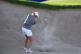Stacy-Lewis-hitting-out-of-bunker