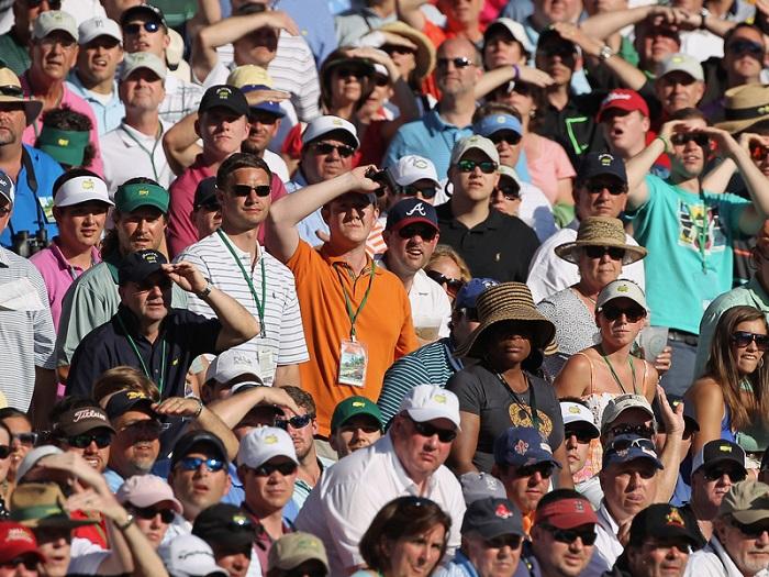 Khán giả không được phép đội mũ ngược ở The Masters