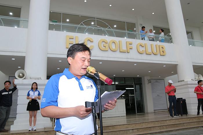 Ông Nguyễn Tiến Dũng - TGĐ Cty CP Đầu tư và Khoáng sản FLC AMD phát biểu tại lễ khai mạc giải