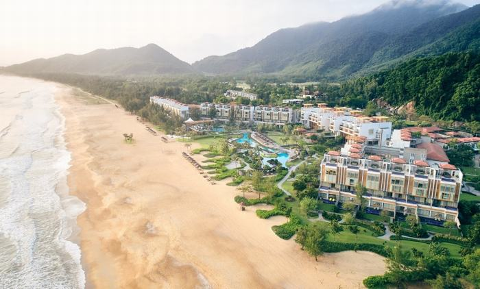 The beachfront Angsana Lăng Cô resort, located within the integrated resort Laguna Lăng Cô
