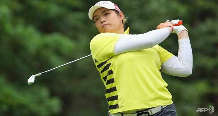 Ariya Jutanugarn dẫn đầu giải đấu với -5 gậy