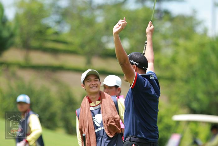 Nguyễn Văn Bằng vui mừng sau khi giành chiến thắng