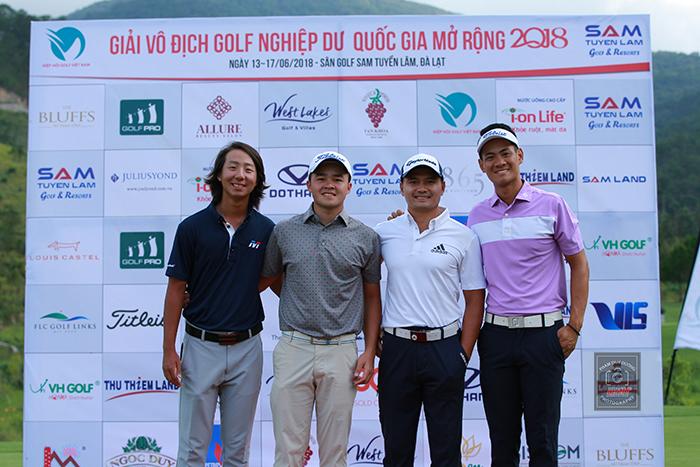 4 golf thủ tuyển Nam ASIAD 2018. Từ trái qua: Nguyễn Hùng Dũng, Nguyễn Phương Toàn, Thái Trung Hiếu, Trương Chí Quân