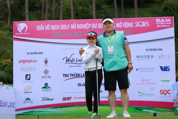 Hà Linh và bố