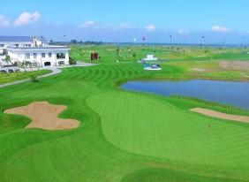 Sân FLC Sầm Sơn Golf Links - một trong hai sân golf của FLC do Nicklaus Design thiết kế, nơi vừa diễn ra giải golf nữ nghiệp dư Quốc gia 2016.