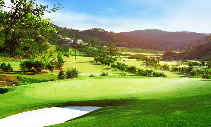 Sacom Tuyen Lam golf Club & Resort (18 Holes)