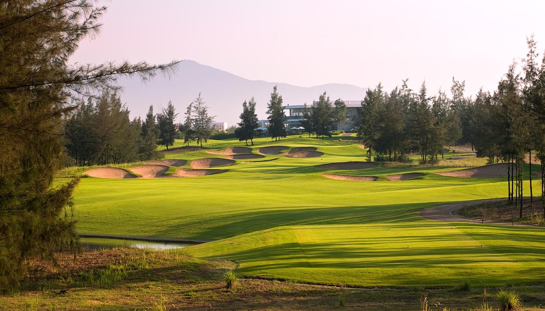 Montgomerie Links Golf Club (18 Holes)