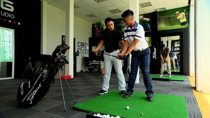 Hideki-Matsuyama-Tiger-Woods