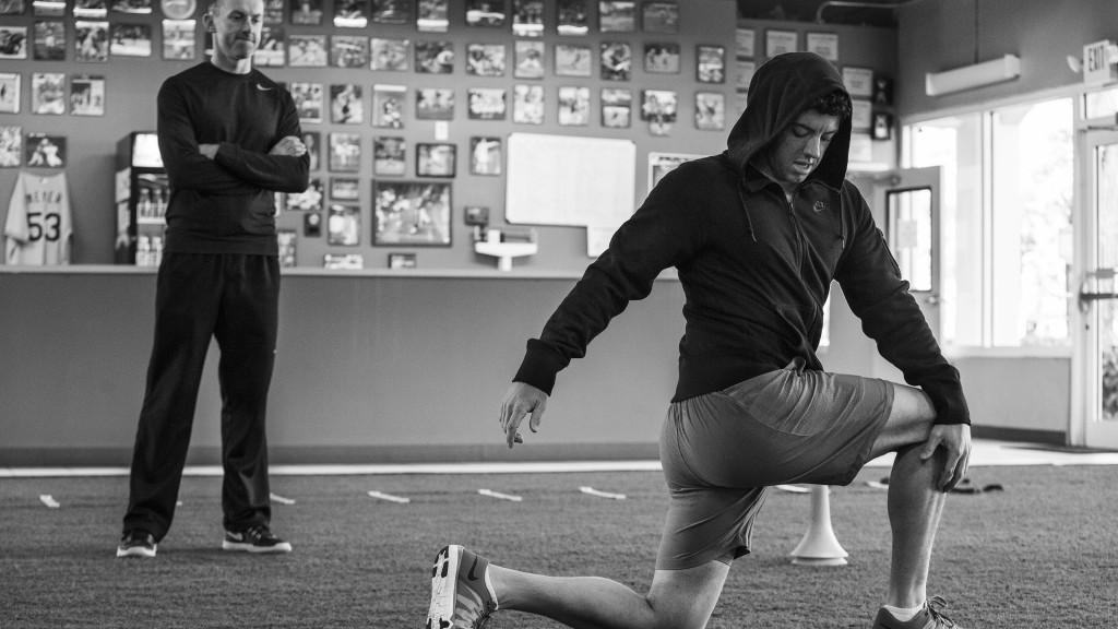 Nike-Training-Inner-Strength-Rory-McIlroy-Lunge_original (1)