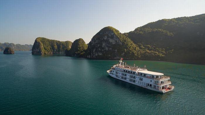 Paradise Elegance on Halong Bay