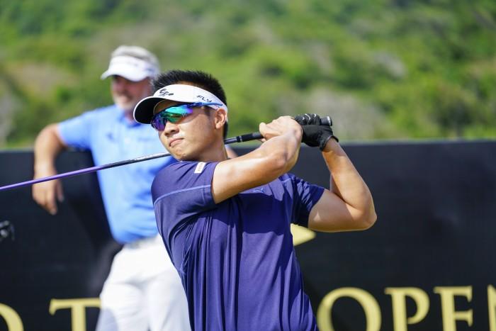 Golfer Trần Lê Duy Nhất