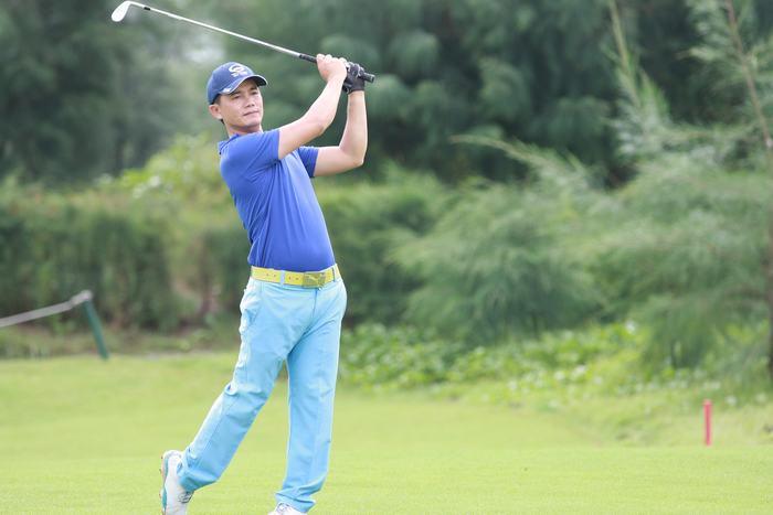Golfer Nguyễn Gia Hồng