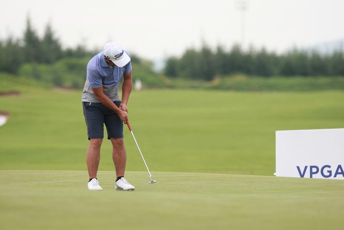 Golfer Phạm Minh Đức
