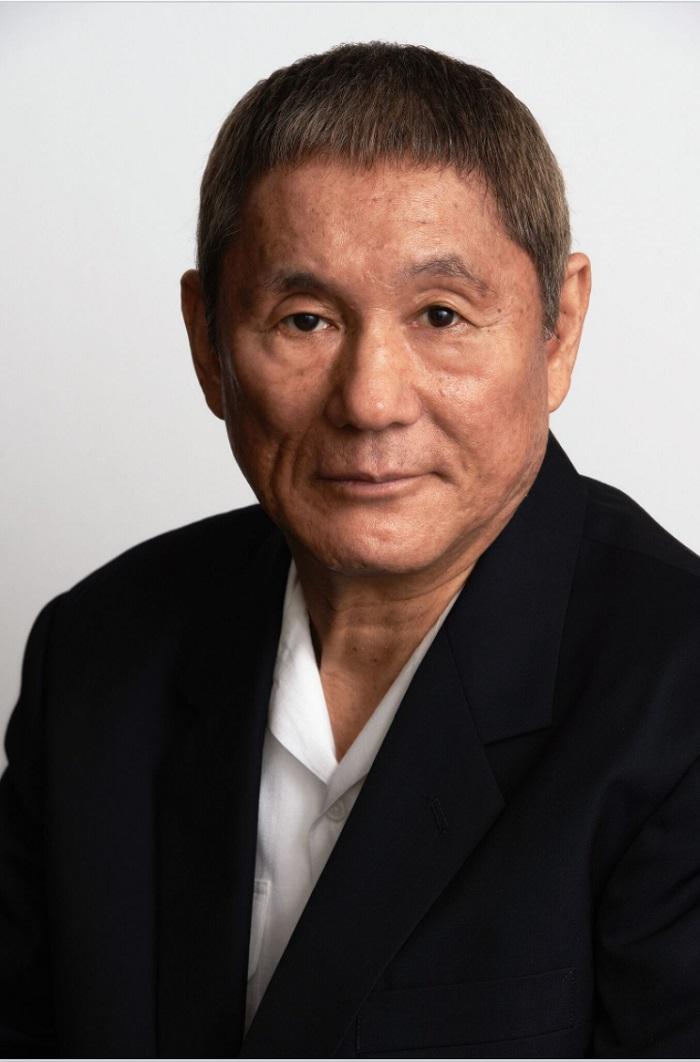 Kitano Takeshi là nam diễn viên rất nổi tiếng của Nhật chỉ dùng gậy Ryoma