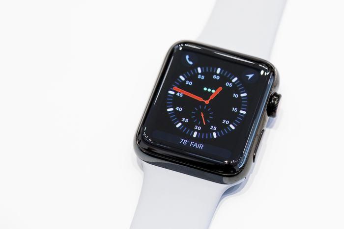 apple-091217-apple-watch-series-3-4061