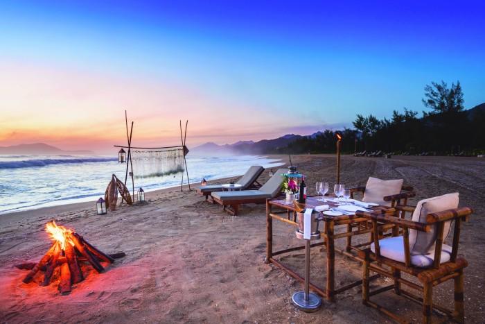 Destination Dining (at the sunset beach) 6