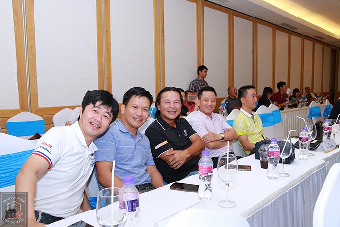 Các đại diện của CLB Vin Golf và 88 Golf Club