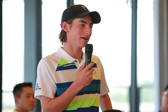 Golf thủ Australia Caleb Jye Perry