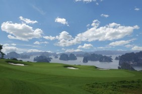 Hố 12 sân  FLC Halong Bay Golf Club & Resort
