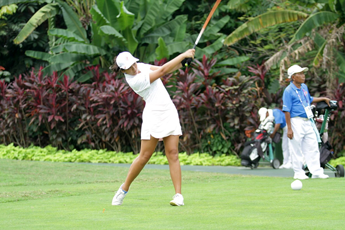 Trần Chiêu Dương, một trong 2 vđv Nữ của tuyển golf tại kỳ ASIAD 18.