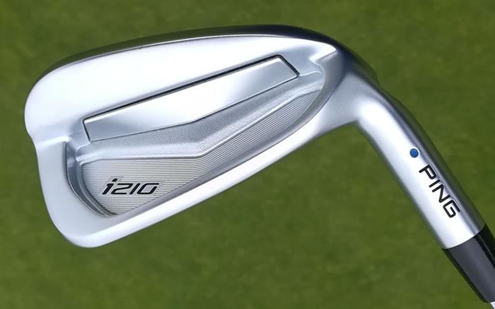 i210 đem lại cảm giác tiếp xúc bóng thật và êm hơn