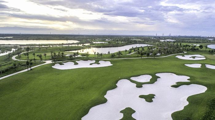Vinpearl Golf Hải Phòng với hố đầm lầy đặc thù, đem tới nhiều trải nghiệm thú vị dành cho Golfer