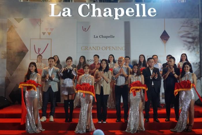 Sự kiện thu hút sự có mặt của ca sĩ Đông Nhi, Ông Cao Thắng cùng các đối tác và ban điều hành La Chapelle tại Việt Nam