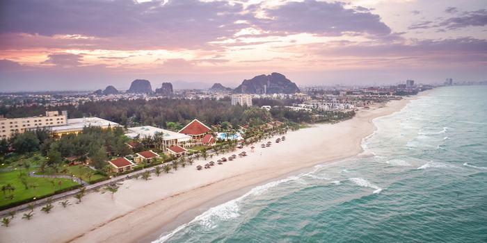 Toàn cảnh khu nghỉ dưỡng Centara Sandy Beach Resort Đà Nẵng