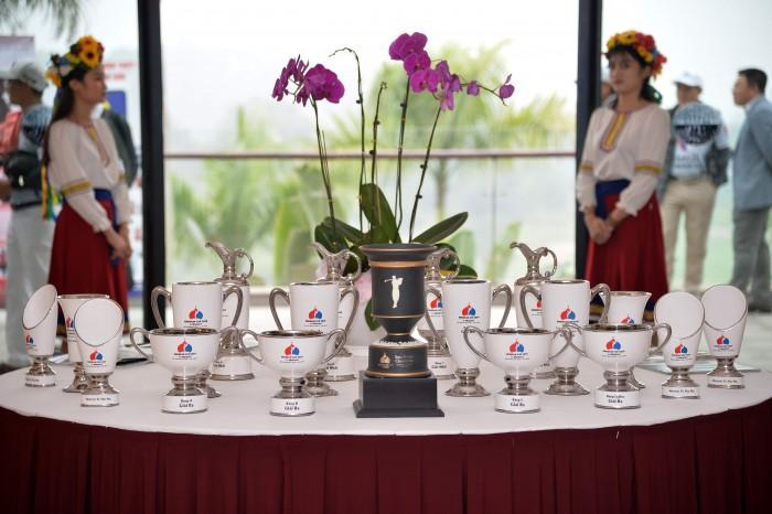 Bộ Cup đặc trưng phong cách Nga