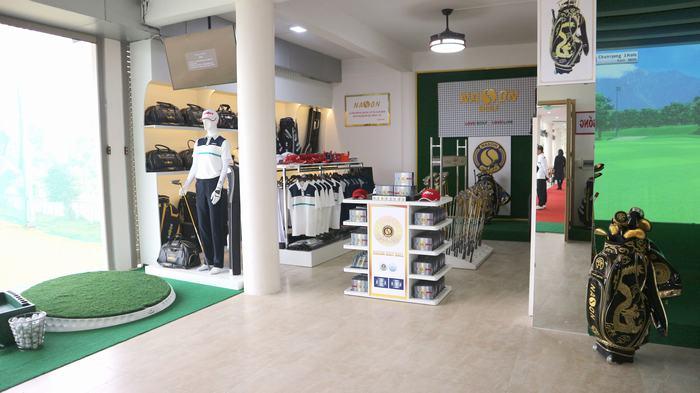 Học viện Nason Golf School và Showroom trưng bày sản phẩm
