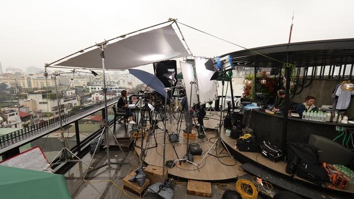 Trường quay di động của đài truyền Bloomberg tại O'Sky Bar