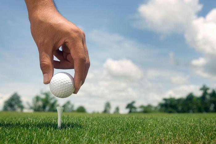 golf_tee_82568487-56a3d2943df78cf7727f6b59