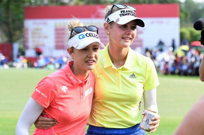 Nelly (trái) và Jessica Korda