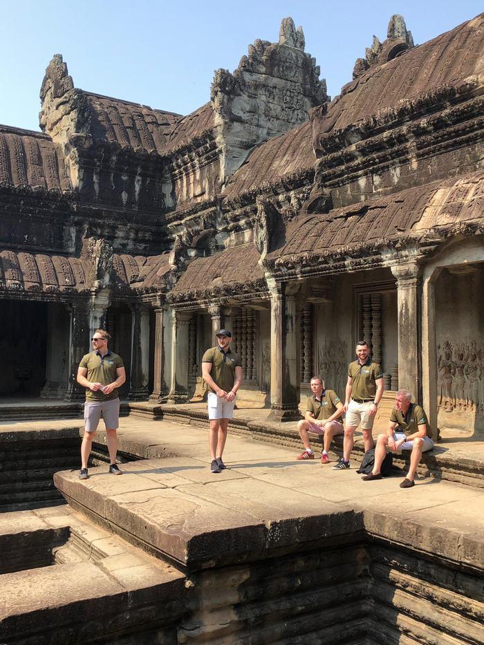 Các đại biểu thăm quan Angkor Wat