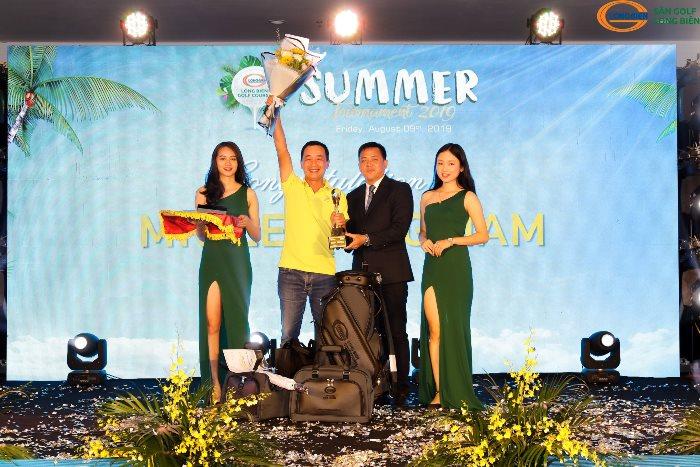 Golfer Lê Hùng Nam